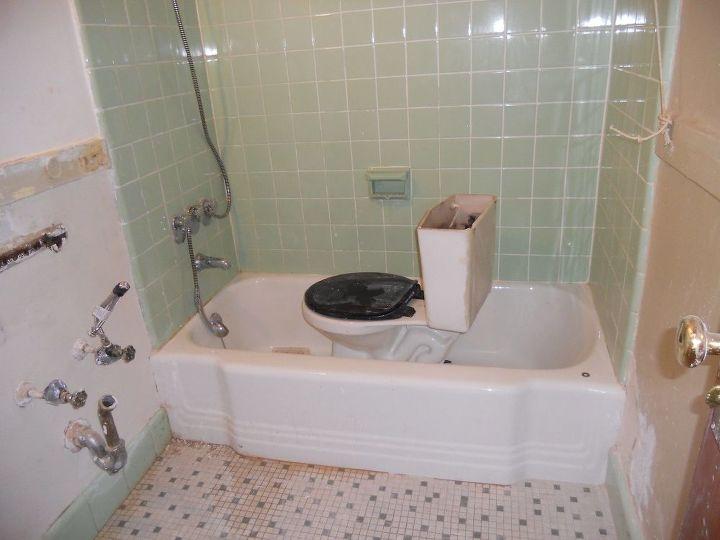 q small bathroom floors