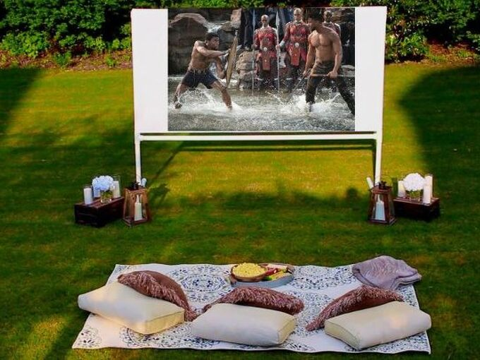 diy backyard movie theatre screen
