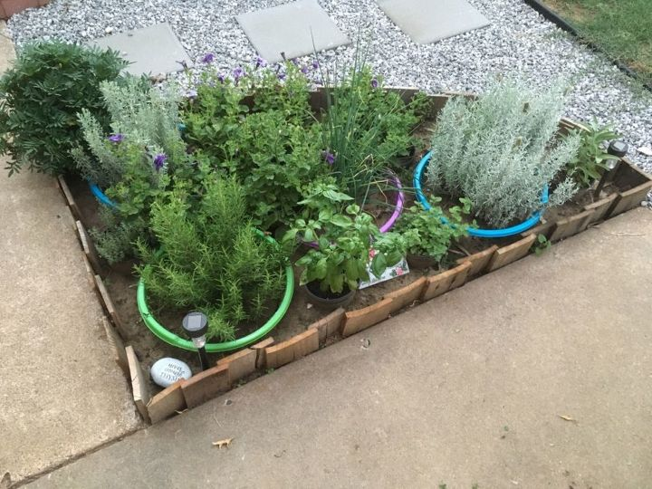 pallet garden border