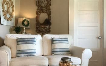 How to Style Sofa Pillows