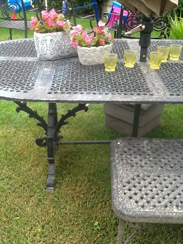 q does anyone have advice on how to paint my cast iron patio set