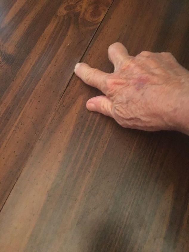 q how to repair table top