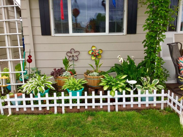This is the garden part..added pickets,