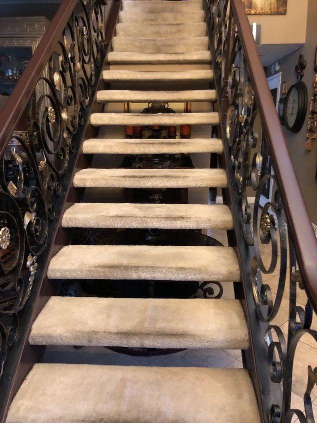 q closing staircase