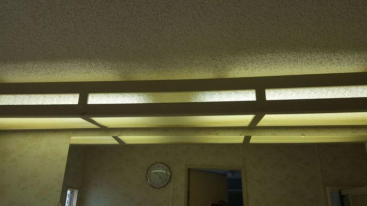 q hideous overhead flourescent bathroom lighting