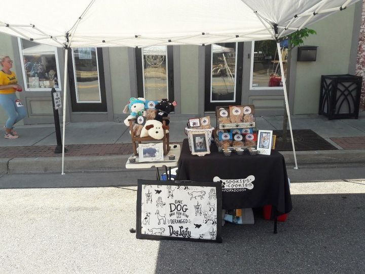q what s the best way to better display my dog cookies at vendor events