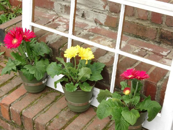 how to make an upcycled window flower planter