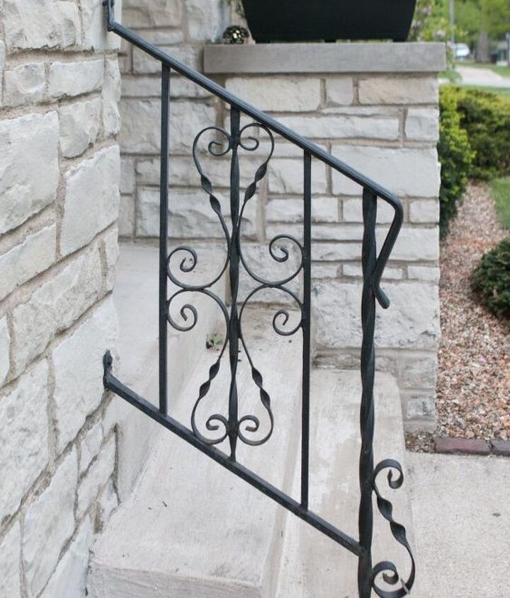 how to remove dated spirals from a railing