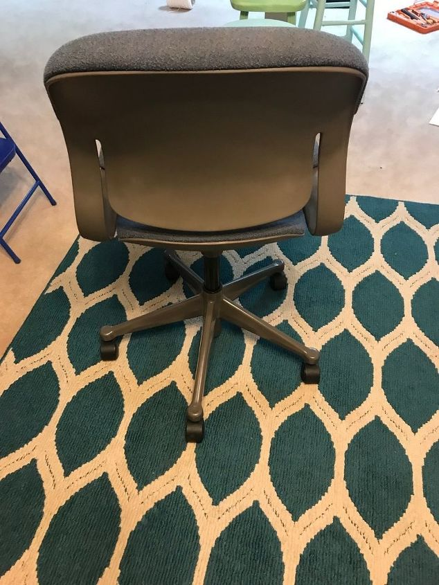 q has anyone ever painted a fabric covered desk chair