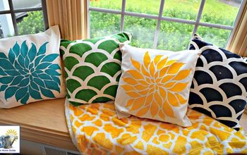 colorful bay window seat for summer