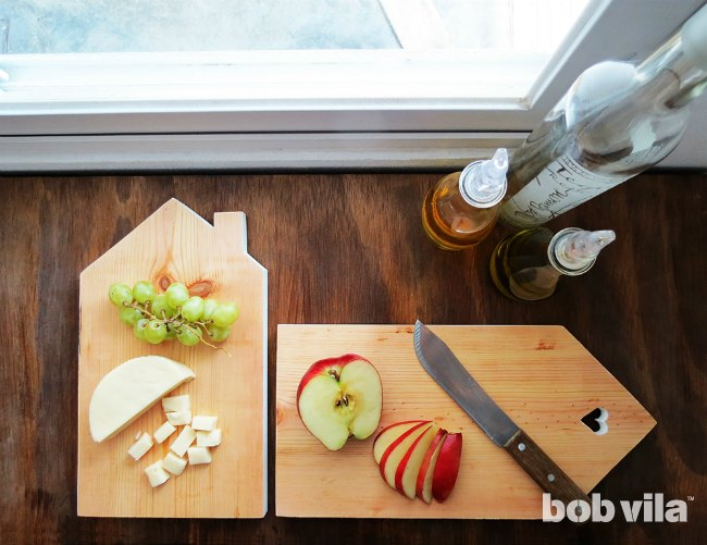 s 30 super cute easy diy ideas for your kitchen, These House Shaped Cutting Boards