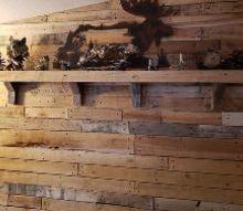 simple reclaimed lumber shelf