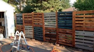 , Pallet privacy