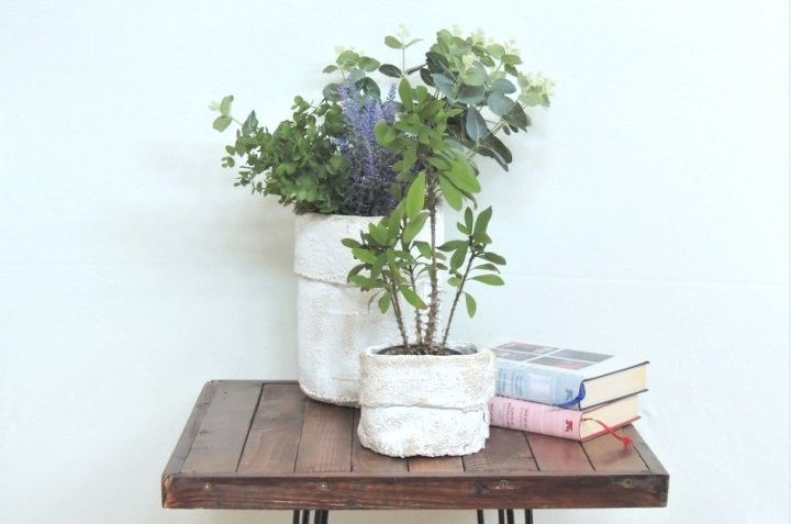 the fake concretet boxes that you can easily diy