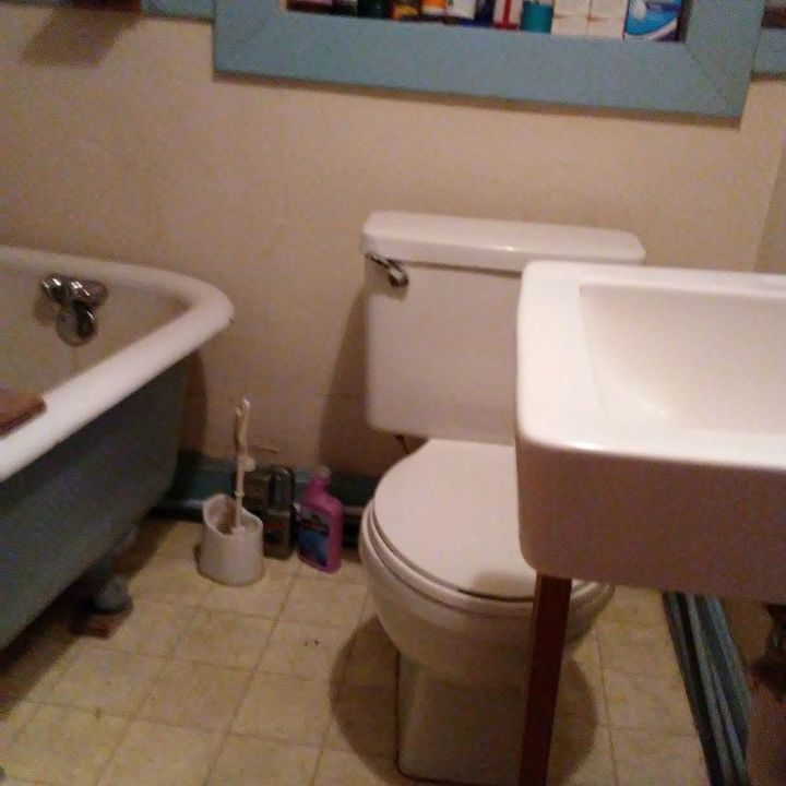 q what kind of sink should i put in a super tiny bathroom