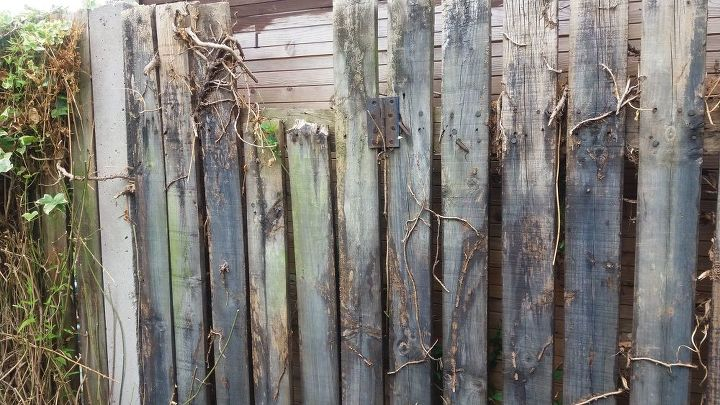 q hide ugly fence