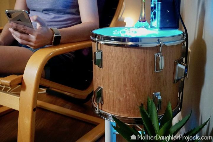 how to upcycle an old wood drum into an end table