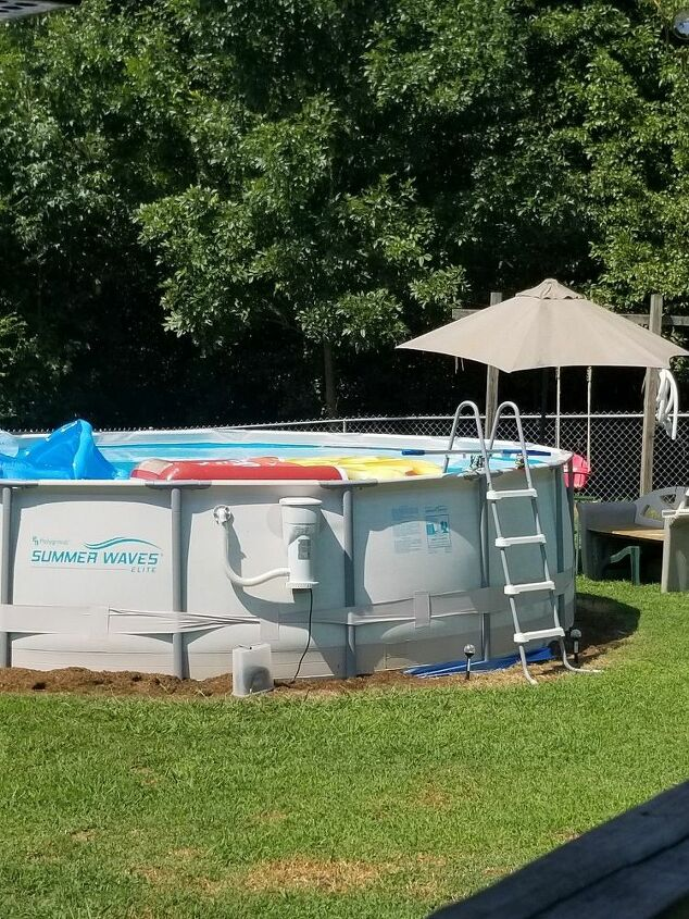 q would love some ideas for around above ground pool