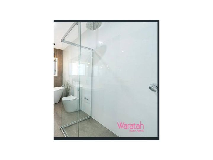 q need help with shower storage