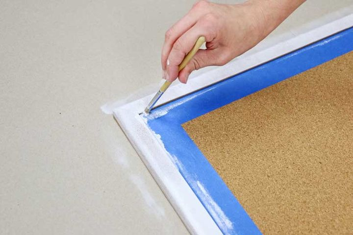 diy inexpensive cork board with tile stencils