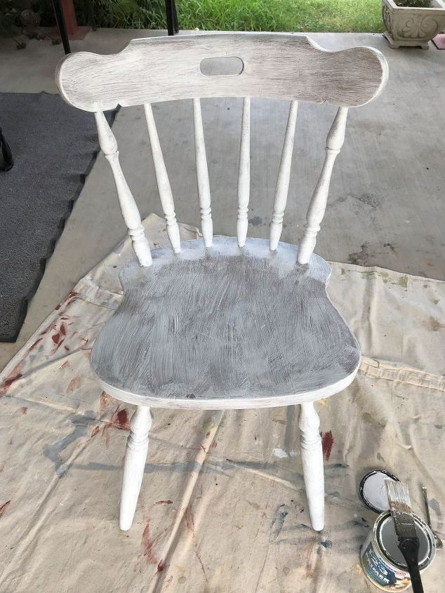 how to paint chairs the easiest way