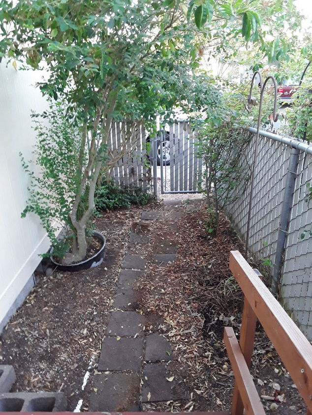q backyard is 6 x 35 how can we make it look stunning