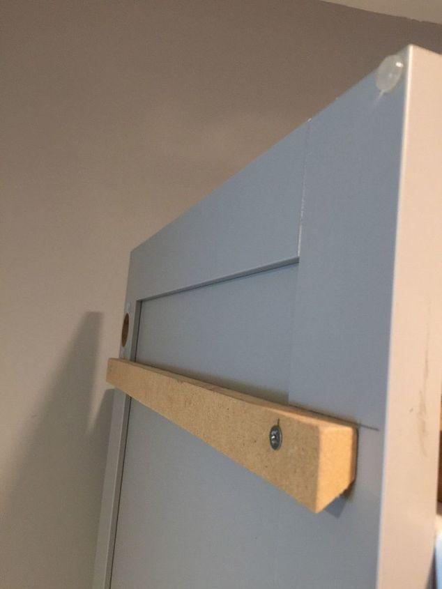 Cabinet door cleat