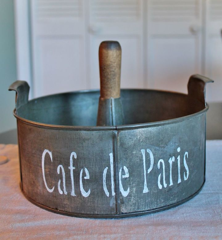 s 30 creative ways to repurpose baking pans, Turn it into a vintage tin caddy