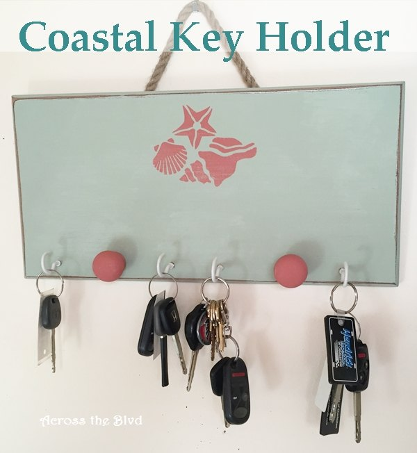 s 31 coastal decor ideas perfect for your home, Make A Beachy Theme Key Holder With Paint
