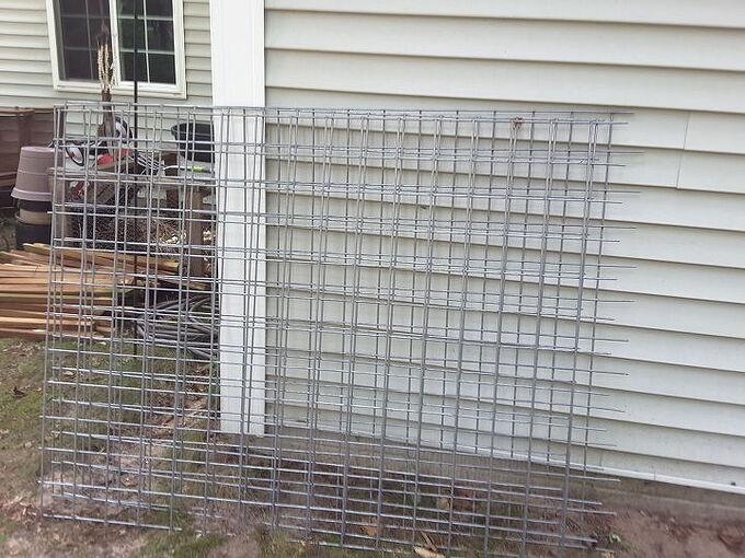 How do i put together a deck railing using goat fencing?? | Hometalk