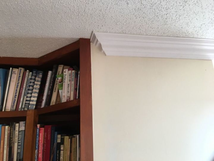 q how to continue crown molding