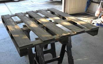 How to Make a Rustic Pallet Mirror Frame With a Shelf