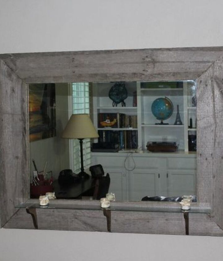 rustic picture frame from an old pallet