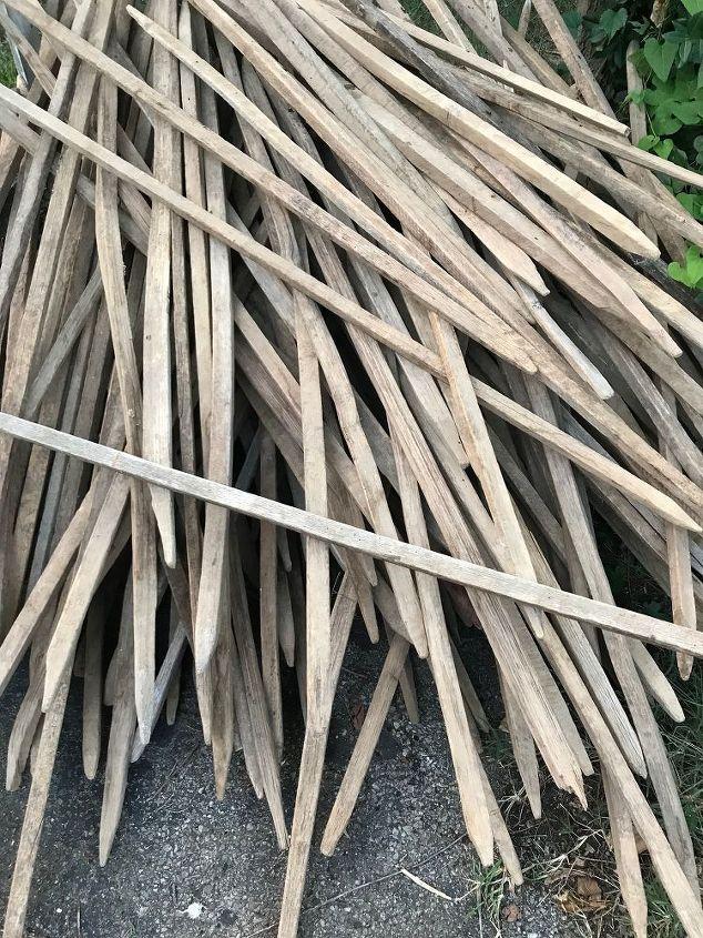 q how do i build a fence with tobacco sticks