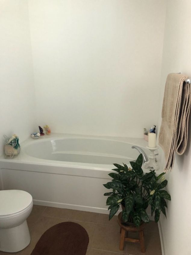 q need new unique way for wall behind tub