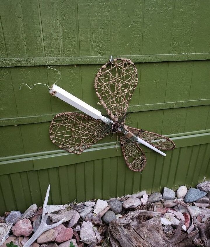 garden dragonfly decor