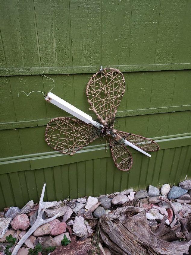 garden dragonfly decor