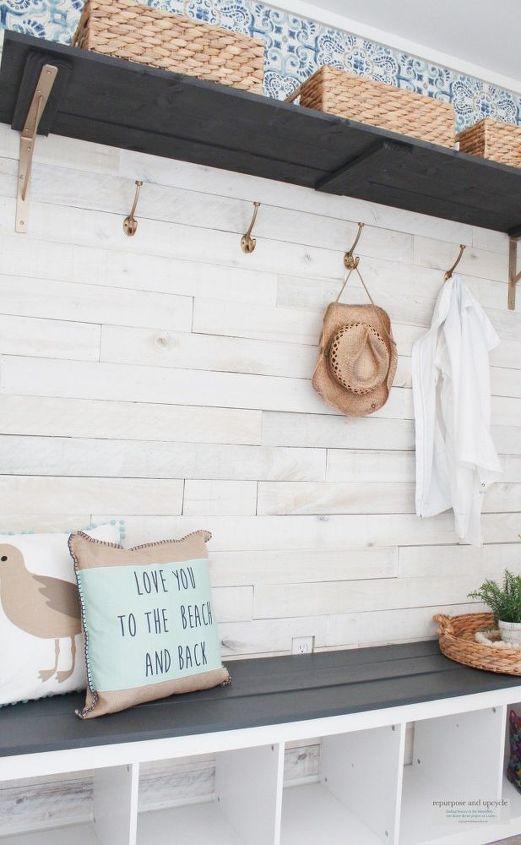 budget friendly beach cottage mudroom
