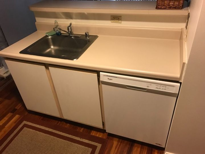 q refinishing kitchen cabinets