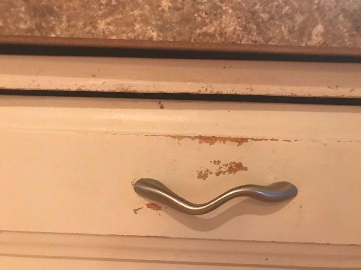 q advice on kitchen cabinets