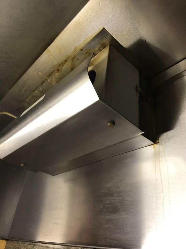 q kitchen vent hunk removal