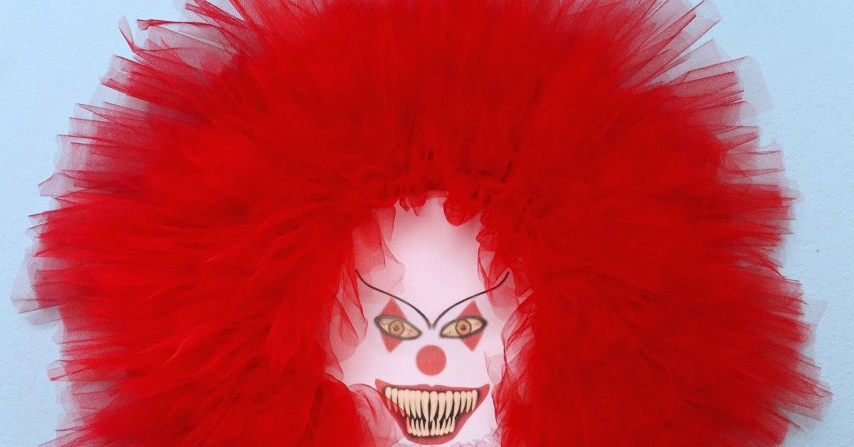 Make A Scary Clown Wreath For Halloween Hometalk