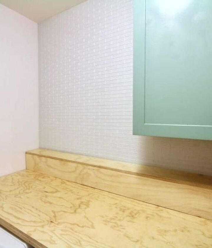 how to hang a wall of peel and stick glass subway tile