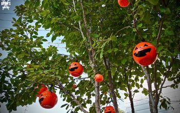 Dollar Store Pumpkin Buckets All Up In Your Tree!