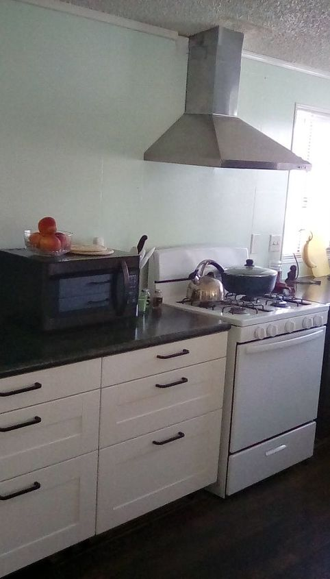 q backsplash to the ceiling or not