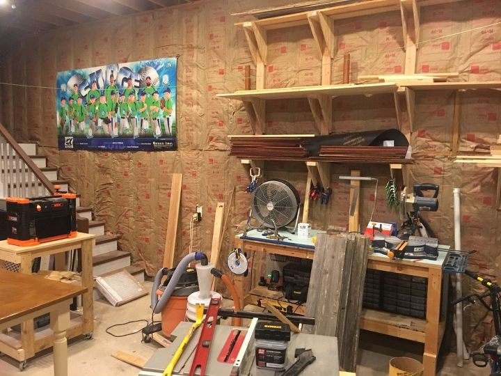 how to use old fence boards on a wall
