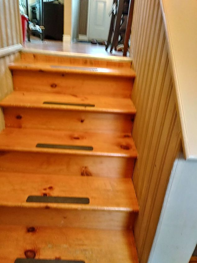 q how do i decide a color to paint my stairs