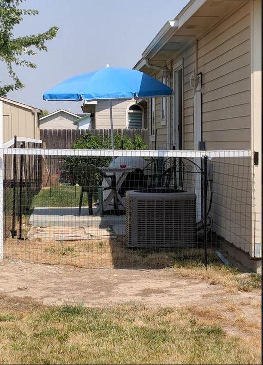 q no backyard narrow long backyard landscape curp apeal