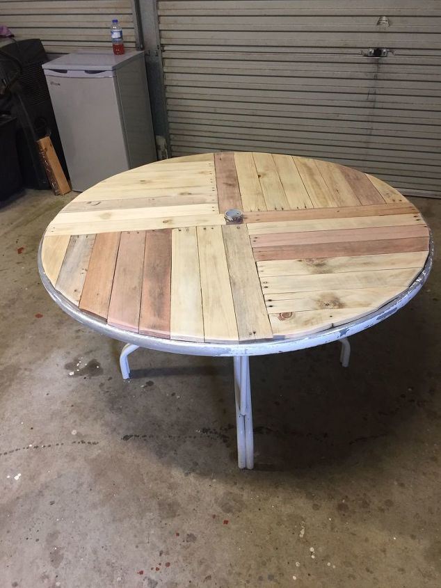 q how to marine varnish on top of linseed oil pallet timber