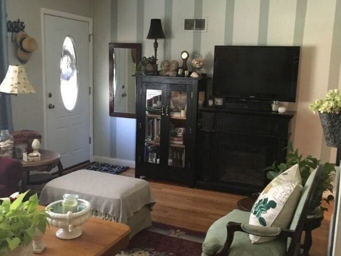 q how do i add navy to my existing home color